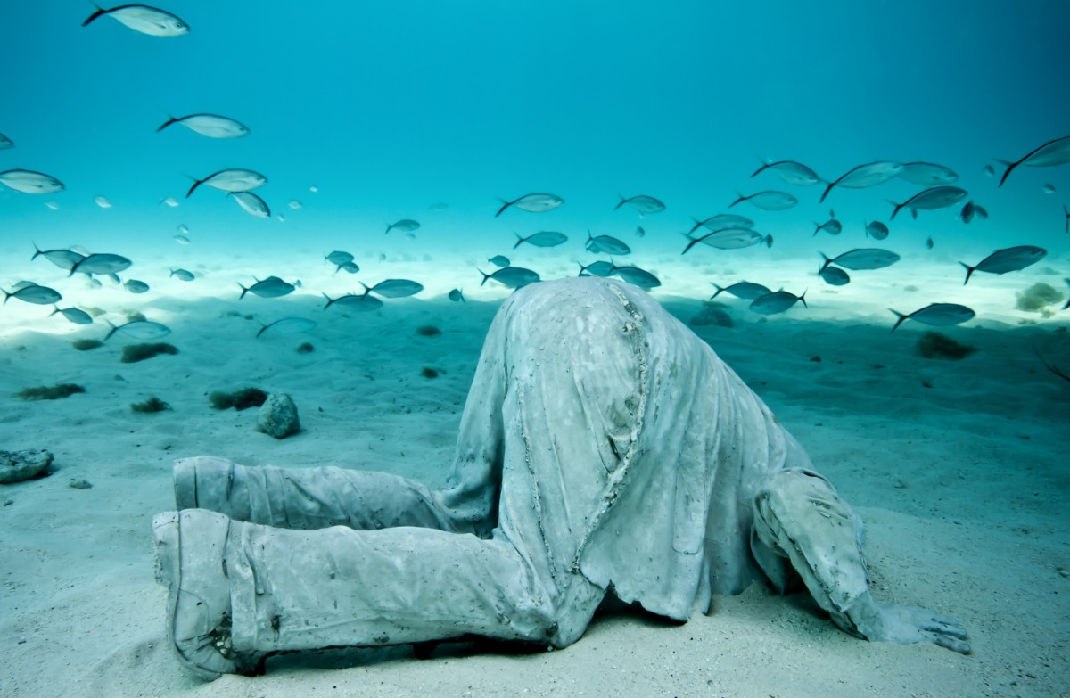 """The banker"". Underwater Sculpture, Museo Subacuático de Arte, Cancun. (Photo by Jason deCaires Taylor/UnderwaterSculpture)"